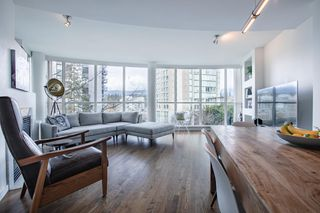Photo 3: 403 1888 ALBERNI STREET in Vancouver: West End VW Condo for sale (Vancouver West)  : MLS®# R2465754