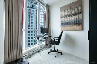Photo 2: 3007 1189 MELVILLE Street in Vancouver: Coal Harbour Condo for sale (Vancouver West)  : MLS®# R2470957