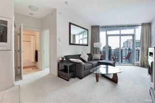 Photo 4: 3007 1189 MELVILLE Street in Vancouver: Coal Harbour Condo for sale (Vancouver West)  : MLS®# R2470957