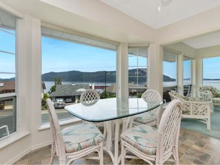 Photo 5: 556 Marine View in COBBLE HILL: ML Cobble Hill Single Family Detached for sale (Malahat & Area)  : MLS®# 845211