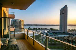 Photo 10: DOWNTOWN Condo for sale : 2 bedrooms : 550 Front St. #1706 in San Diego