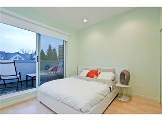 Photo 7: 2370 CLARK Drive in Vancouver: Mount Pleasant VE House 1/2 Duplex for sale (Vancouver East)  : MLS®# V939305