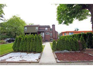 Photo 18: 5611 CLAUDE AV in Burnaby: Burnaby Lake House Duplex for sale (Burnaby South)  : MLS®# V1068608
