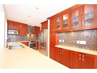 Photo 9: 5611 CLAUDE AV in Burnaby: Burnaby Lake House Duplex for sale (Burnaby South)  : MLS®# V1068608