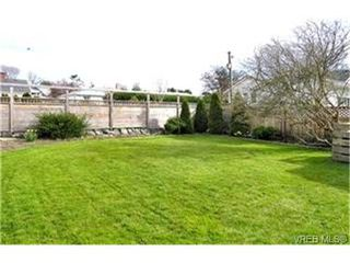 Photo 2:  in VICTORIA: OB South Oak Bay Single Family Detached for sale (Oak Bay)  : MLS®# 391373