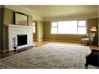 Photo 3:  in VICTORIA: OB South Oak Bay Single Family Detached for sale (Oak Bay)  : MLS®# 391373