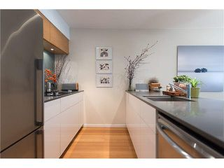 "Photo 6: 102 2110 YORK Avenue in Vancouver: Kitsilano Condo for sale in ""NEW YORK ON YORK"" (Vancouver West)  : MLS®# V1079189"