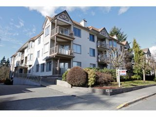 Photo 1: # 106 5489 201ST ST in Langley: Langley City Condo for sale : MLS®# F1426077