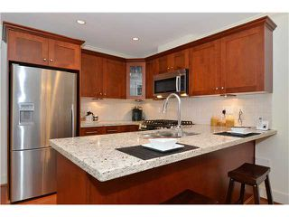 Photo 4: 2512 W 8TH AV in Vancouver: Kitsilano Condo for sale (Vancouver West)  : MLS®# V1114309