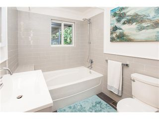 Photo 13: 5436 15B AV in Tsawwassen: Cliff Drive House for sale : MLS®# V1137735