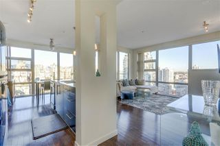 Photo 2: 2402 1225 RICHARDS STREET in Vancouver: Downtown VW Condo for sale (Vancouver West)  : MLS®# R2115954