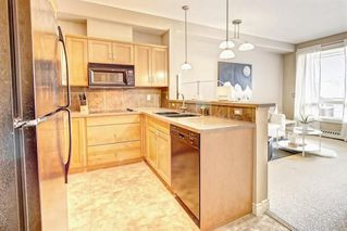 Photo 4: #323 - 3111 34 Avenue NW in Calgary: Varsity Condo for sale : MLS®# C4176201