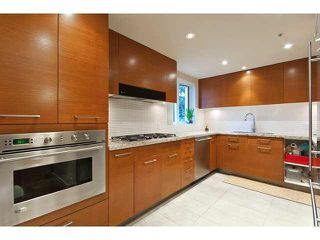 Photo 3: 304 5958 Iona Drive in : University VW Condo for sale (Vancouver West)  : MLS®# V883677