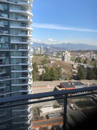 "Photo 2: 1602 13308 CENTRAL Avenue in Surrey: Whalley Condo for sale in ""EVOLVE"" (North Surrey)  : MLS®# R2404688"