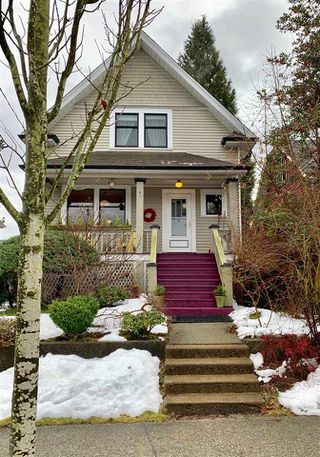 "Photo 1: 228 SIXTH Avenue in New Westminster: Queens Park House for sale in ""Queens Park"" : MLS®# R2429899"