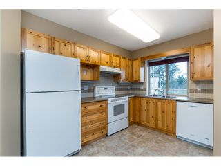 "Photo 8: 308 33731 MARSHALL Road in Abbotsford: Central Abbotsford Condo for sale in ""STEPHANIE PLACE"" : MLS®# R2441909"