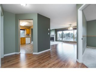 "Photo 2: 308 33731 MARSHALL Road in Abbotsford: Central Abbotsford Condo for sale in ""STEPHANIE PLACE"" : MLS®# R2441909"