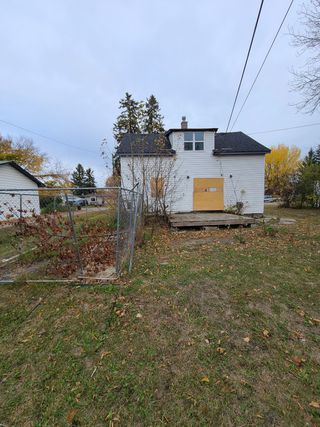 Photo 3: 5709 52 Avenue SW: Cold Lake House for sale : MLS®# E4191862