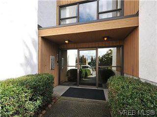 Photo 16: 209 3252 Glasgow Ave in VICTORIA: SE Quadra Condo for sale (Saanich East)  : MLS®# 601881