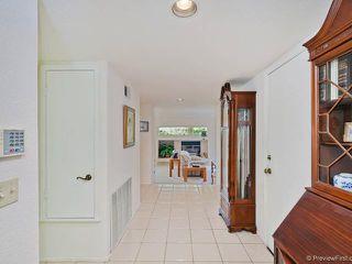 Photo 3: SOUTH ESCONDIDO House for sale : 3 bedrooms : 769 Mockingbird Circle in Escondido