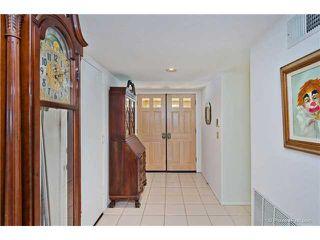 Photo 4: SOUTH ESCONDIDO House for sale : 3 bedrooms : 769 Mockingbird Circle in Escondido