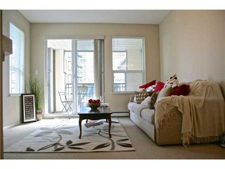 "Main Photo: 475 9100 FERNDALE Road in Richmond: McLennan North Condo for sale in ""KENSINGTON COURT"" : MLS®# V991745"