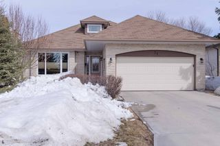 Photo 1: 71 Chancery Bay in Winnipeg: Single Family Detached for sale (River Park South)  : MLS®# 1407582