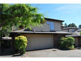 Photo 18: 105 2345 Cedar Hill Cross Rd in VICTORIA: OB Henderson Row/Townhouse for sale (Oak Bay)  : MLS®# 676189
