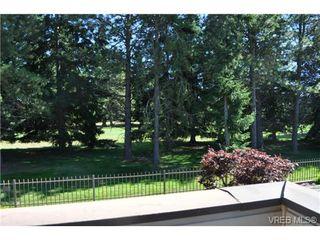Photo 12: 105 2345 Cedar Hill Cross Rd in VICTORIA: OB Henderson Row/Townhouse for sale (Oak Bay)  : MLS®# 676189