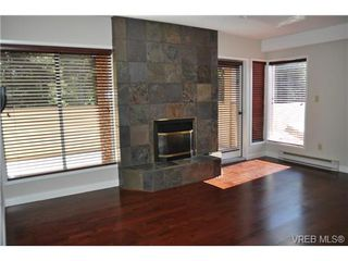 Photo 15: 105 2345 Cedar Hill Cross Rd in VICTORIA: OB Henderson Row/Townhouse for sale (Oak Bay)  : MLS®# 676189