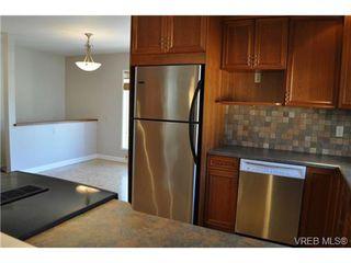 Photo 16: 105 2345 Cedar Hill Cross Rd in VICTORIA: OB Henderson Row/Townhouse for sale (Oak Bay)  : MLS®# 676189