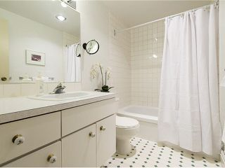 """Photo 15: 5 5585 OAK Street in Vancouver: Shaughnessy Condo for sale in """"SHAWNOAKS"""" (Vancouver West)  : MLS®# V1082732"""