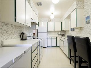 """Photo 11: 5 5585 OAK Street in Vancouver: Shaughnessy Condo for sale in """"SHAWNOAKS"""" (Vancouver West)  : MLS®# V1082732"""