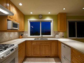 Photo 3: 658 Alpine Ct in North Vancouver: Canyon Heights NV House for sale : MLS®# V1044054