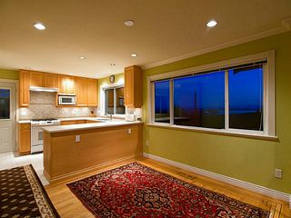Photo 4: 658 Alpine Ct in North Vancouver: Canyon Heights NV House for sale : MLS®# V1044054