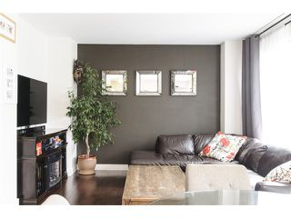 Photo 4: 3160 Prince Edward Street in Vancouver: Mount Pleasant VE Townhouse for sale (Vancouver East)  : MLS®# V1123362