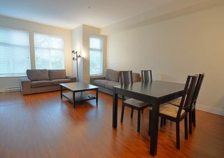 Photo 3: 307 2330 SHAUGHNESSY STREET in Port Coquitlam: Central Pt Coquitlam Condo for sale : MLS®# R2089147