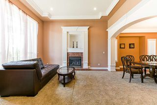 Photo 4: 16776 BEECHWOOD COURT in Surrey: Fraser Heights House for sale (North Surrey)  : MLS®# R2285462