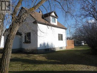 Photo 3: 5123 54 Avenue in Viking: Residential Detached for sale