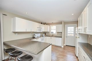 Photo 3: 17 Balmoral Avenue in Welland: House for sale : MLS®# 30732354