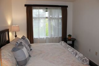 Photo 9: 405 400 KLAHANIE DRIVE in Port Moody: Port Moody Centre Condo for sale : MLS®# R2395453