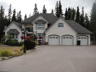 Main Photo: 585 5TH Avenue in Burns Lake: Burns Lake - Town House for sale (Burns Lake (Zone 55))  : MLS®# R2403687