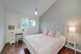 Photo 19: 916 RICE Road in Edmonton: Zone 14 House for sale : MLS®# E4180737