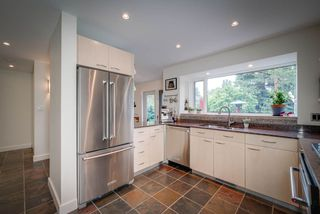 Photo 8: 916 RICE Road in Edmonton: Zone 14 House for sale : MLS®# E4180737