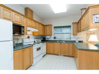 """Photo 4: #14 18939 65 AVE Avenue in Surrey: Cloverdale BC Townhouse for sale in """"GLENWOOD GARDENS"""" (Cloverdale)  : MLS®# R2431167"""
