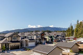 Photo 17: 1376 HAMES Crescent in Coquitlam: Burke Mountain House for sale : MLS®# R2433359