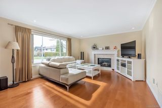 Photo 4: 5239 WALNUT Place in Delta: Hawthorne House for sale (Ladner)  : MLS®# R2438767