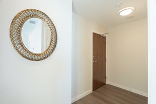 Photo 3: 1101 8688 HAZELBRIDGE Way in Richmond: West Cambie Condo for sale : MLS®# R2450827