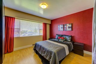 """Photo 13: 70 N RANELAGH Avenue in Burnaby: Capitol Hill BN House for sale in """"CAPITAL HILL"""" (Burnaby North)  : MLS®# R2478221"""