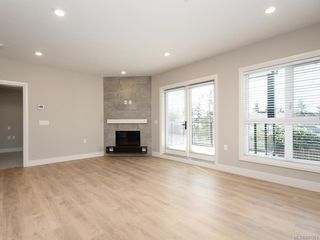Photo 2: 207 741 Travino Lane in Saanich: SW Royal Oak Condo for sale (Saanich West)  : MLS®# 837951